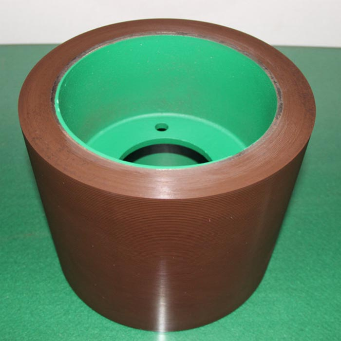 Manufacturing method of polyurethane rubber roller for hulling machine